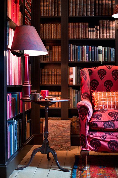 holdhard:  The library at The Grove, former home of David Hicks