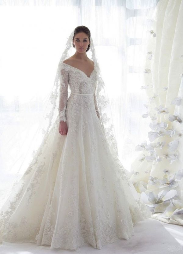 Long-sleeved Lace Gown - Finding a Flawless Wedding Dress Style for Your Big Day ..