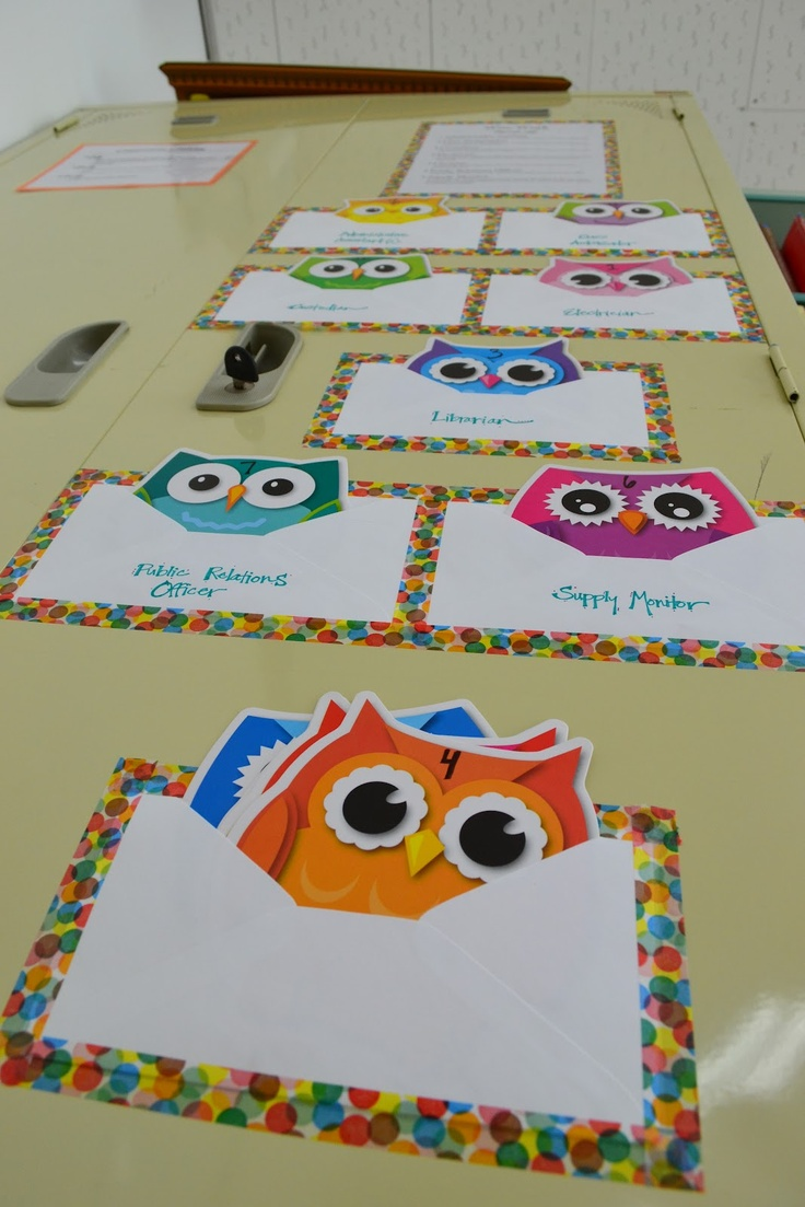 "DIY ""pocket chart"" for classroom jobs #owls"