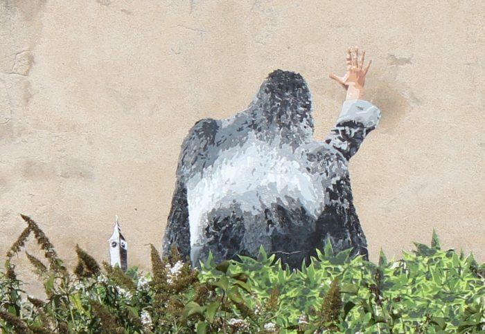big ben street art - le gorille A 2016 - Hommage a Georges Brassens