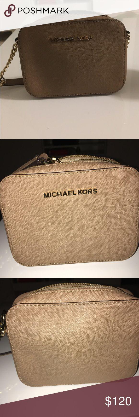 Michael Kors jet set cross body bag Michael Kors jet set cross body bag. Bags Crossbody Bags