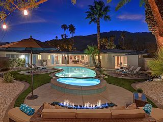 Cool+Midcentury+Classic+Pool+&+Spa+home+in+Central+PS+++Walk+to+Uptown+++Vacation Rental in Palm Springs from @homeaway! #vacation #rental #travel #homeaway