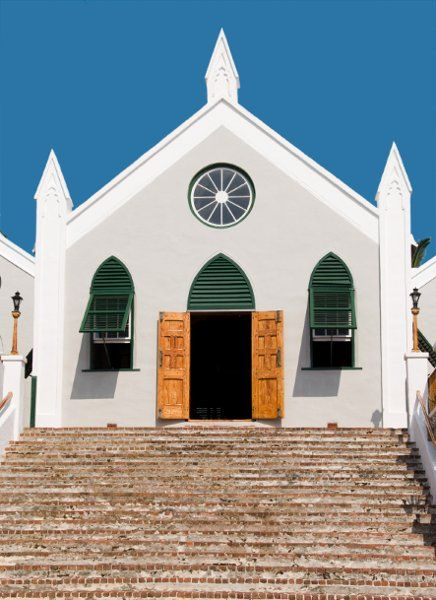 Places to discover in the Caribbean! Like St. Peter's Church in St. Georges, Bermuda!