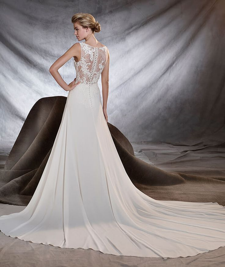 1000 images about pronovias 2017 on pinterest gemstones for Wedding dress shops in green bay wi