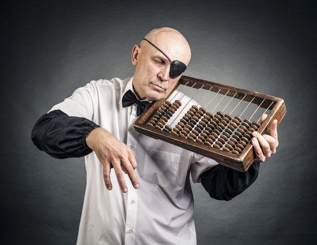 Un comptable borgne écoutant un boulier : | 50 photos de banques d'images complètement inutilisables