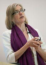 ジェニファー・ダウドナ(Jennifer Anne Doudna, 1964年2月19日 - )はアメリカ合衆国の化学者、生物学者(分子生物学、細胞生物学)。カリフォルニア大学バークレー校教授。1997年以来、ハワード・ヒューズ医学研究所(HHMI)の研究者である。エマニュエル・シャルパンティエと共にゲノム編集技術CRISPR-cas9を開発した。