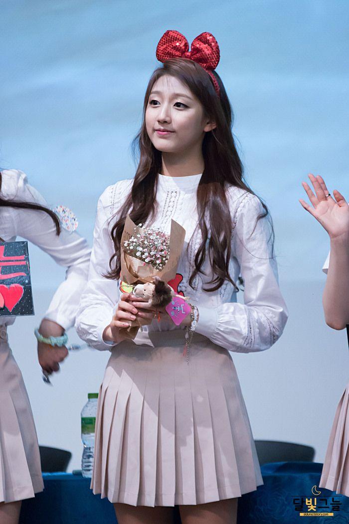 Lovelyz-Yein #CheongryangrInFansign