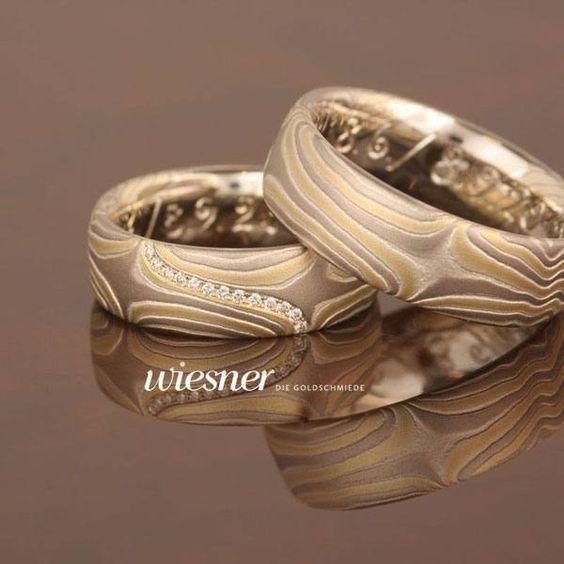 Ein wundervolles Paar Mokume Gane Eheringe. Die Trauringe Anshin # 655 von Wiesner – Die Goldschmiede