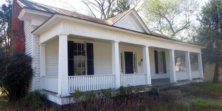 Got $34,000? This Beautiful North Carolina Fixer-Upper Has Your Name on It  2 for the price of 1.  Interested?  I can sell your home here and connect you with an agent in North Carolina.  Not the right home for you, but looking to move outside of the Chicago area, I can connect you with the best agents anywhere!  #UREChicago #BOGO #HistoricHomes #Relocation #NorthCarolina #RealEstate #RealEstateBroker #Realtor #Chicago #WestSuburbs #GlenEllyn #GlendaleHeights #Wheaton #CarolStream…
