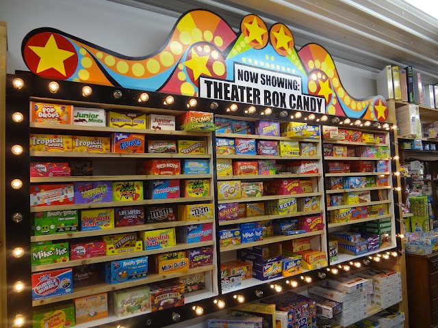 Nice Theatre Box candy display