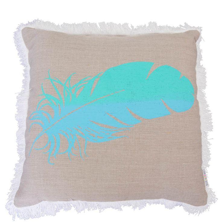 DeerMeetsWolf-Websized-015_front_green:blue feather_linen