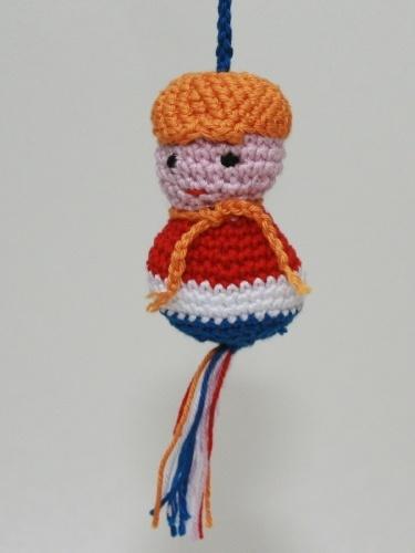 gehaakt Gelukspoppetje (rood-wit-blauw-oranje)