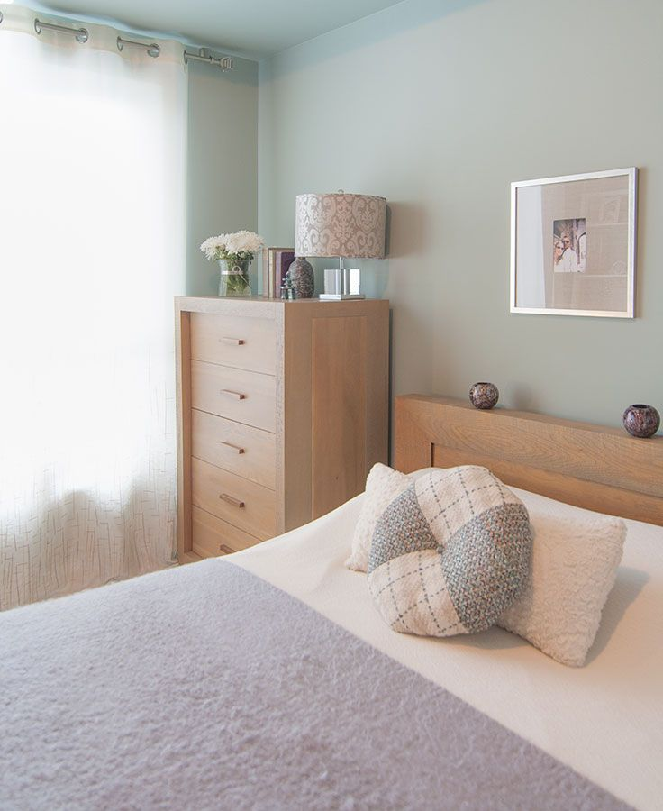 We added interest and subtle contrast to the furniture by using colour on the walls and bed to create a relaxing bedroom retreat.