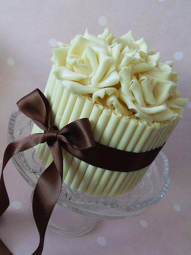 beautifulGiants Cupcakes, Chocolates Cake, White Chocolates, Cake Decor, Chocolates Cupcakes, Rose Cake, Minis Cake, Wedding Cake, Chocolate Cakes