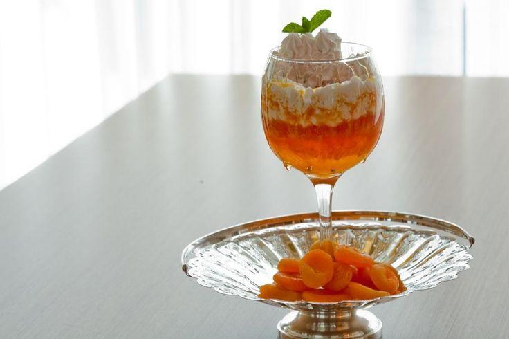 Bavaroise de papaia ao creme de iogurte e mel...
