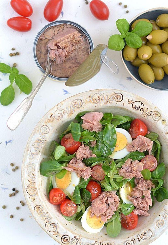 Super zdrowa sałatka kolacyjna z tuńczykiem i jajkami