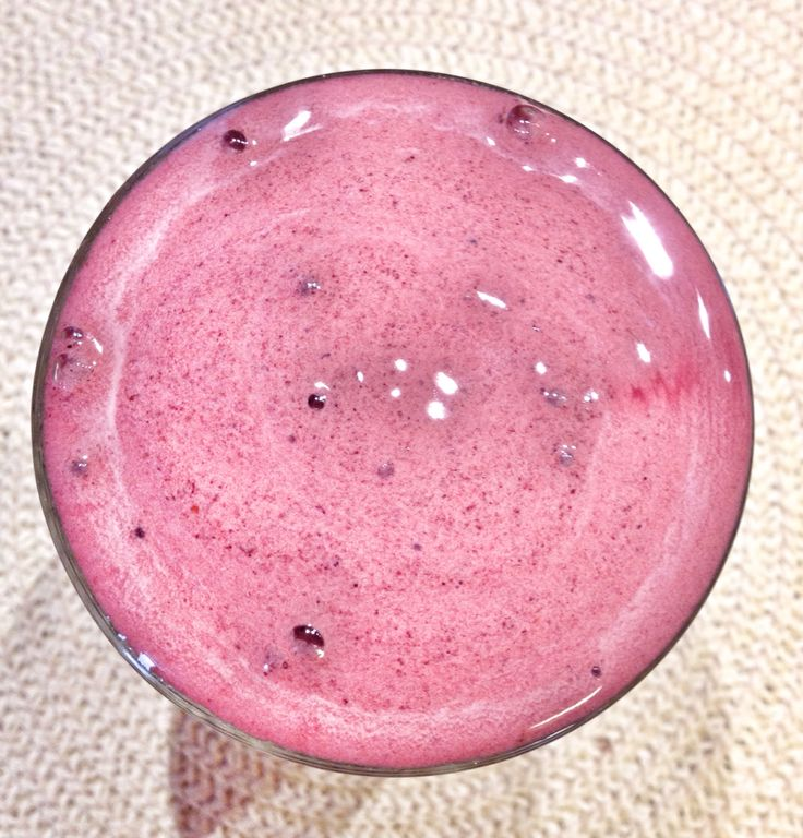 Berries - stevia sugar - two egg's (white thing) - water - chocolate87%....