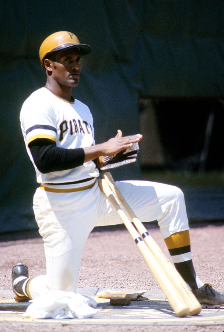 Roberto Clemente - Pittsburgh Pirates - 1970s