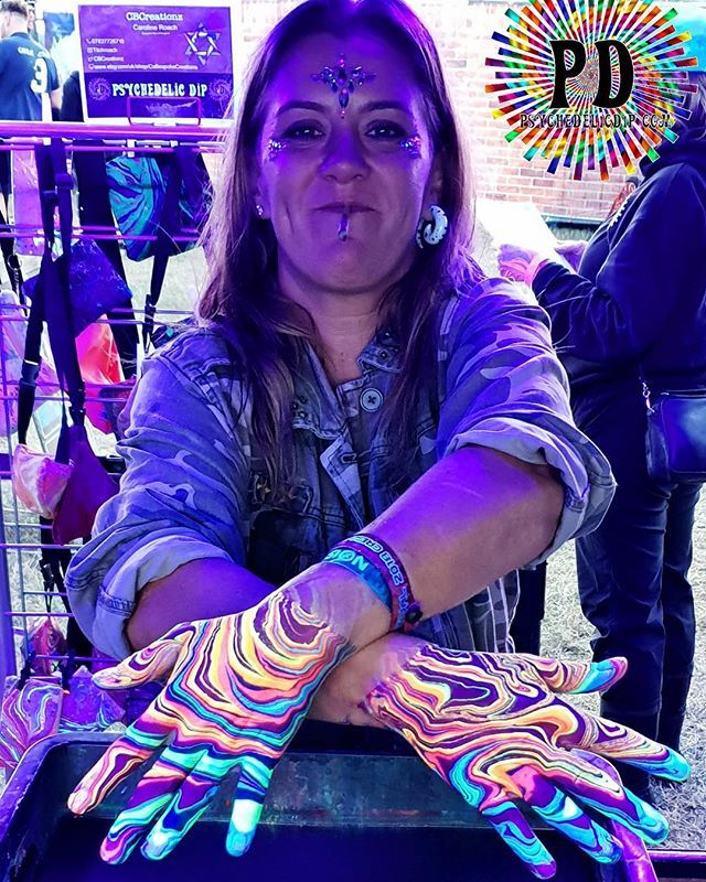 Check Out These Funky Bodymarbled Arms Psychedelicart Marblingart Marbling Psychedelicdip Fubl Bodypaint Body Modifications Marble Art Psychedelic Art