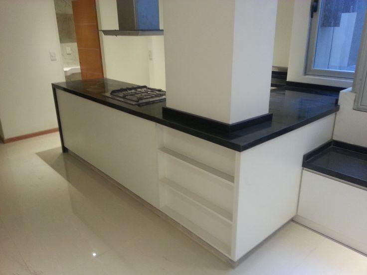 M s de 25 ideas incre bles sobre granito negro en for Muebles de cocina x metro lineal
