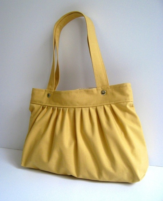 Yellow purse.: Color