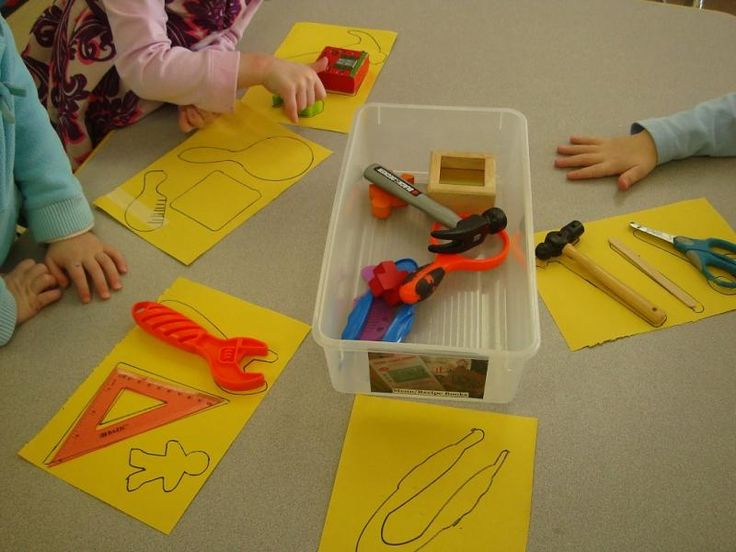 Going on a shape hunt in preschool | The SEEDS Network