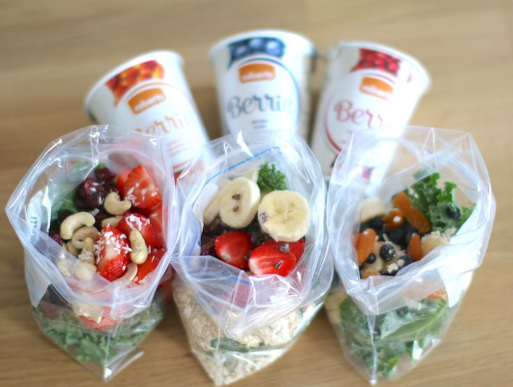 A clever way to use leftover-berries and fruits - a ready-to-go smoothie bag! Just add Berrie and mix the ingredients in a blender and you're good to go.