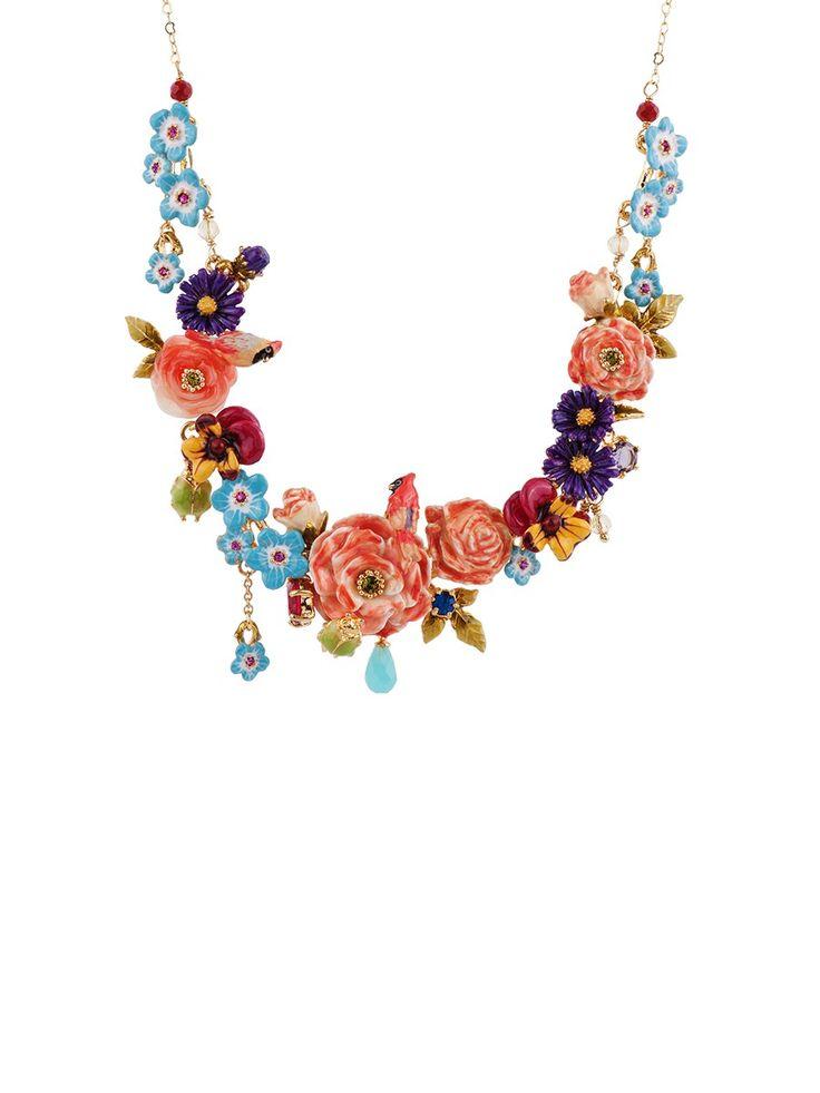 WINTER ROSES LARGE MULTI FLOWER AND CARDINAL SHORT NECKLACE - Les Néréides