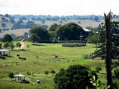 Lillydale Farmstay - Scenic Rim - South East Queensland (SEQ) - Farm Holidays - Our Fabulous Scenery  Lillydale Farmstay offers fun, farm holidays for families where you can collect eggs, milk a cow, feed baby animals and go horse riding near Brisbane and the Gold Coast.