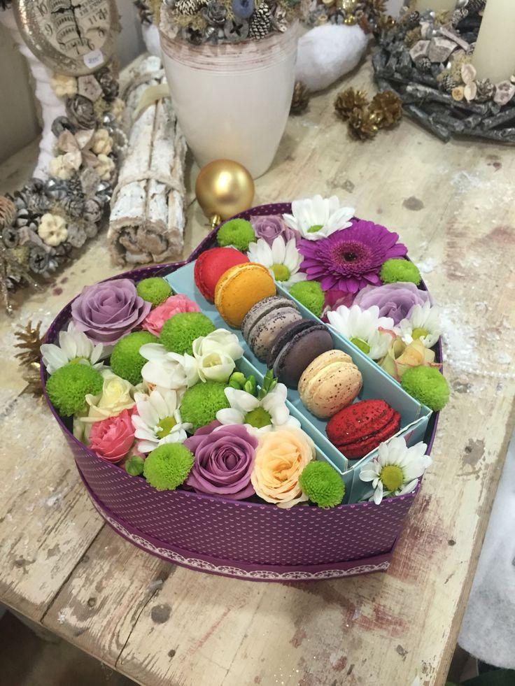 Box flowers / hatboxes flower boxes Pinterest Flower