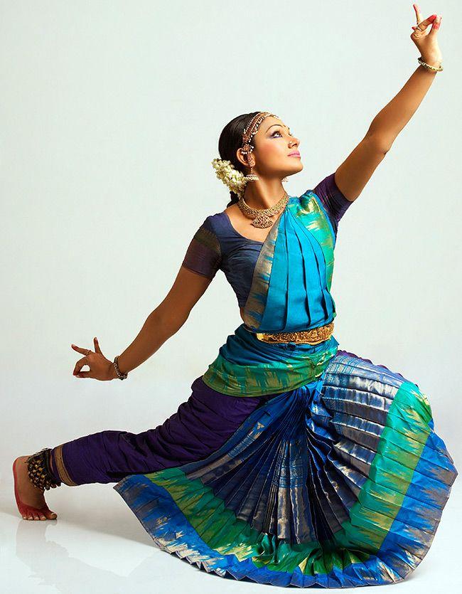 Shobana Bharatanatyam Poses | www.imgkid.com - The Image ...