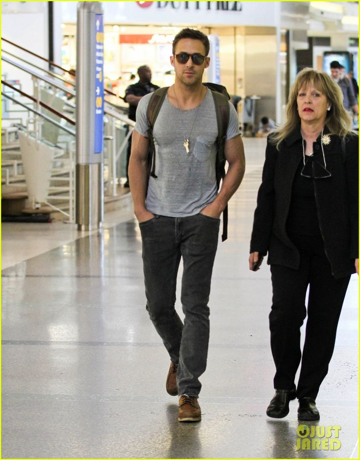 Simple look: Gosling grey-tee, black jeans in 2020 | Ryan ...