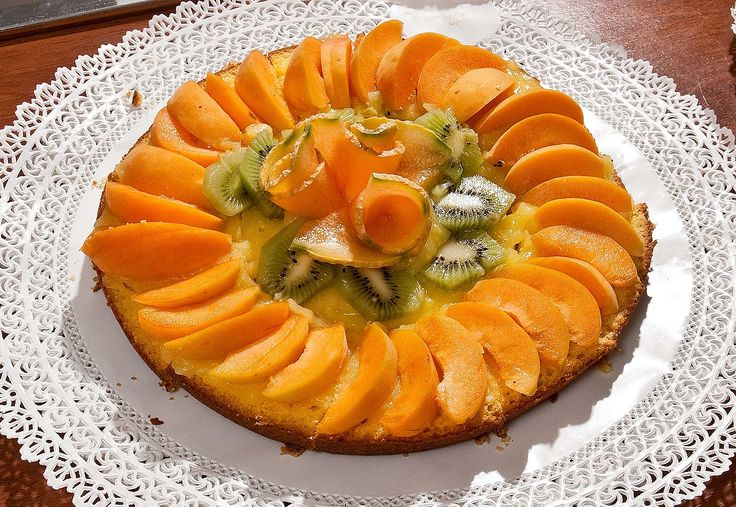 Lasignora Alba ha preparato la torta alla pescaper la colazione