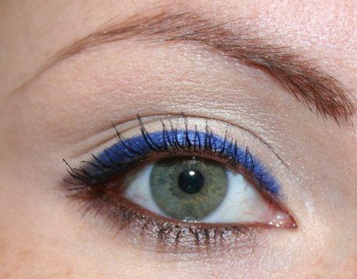 trucco blu e marrone per il trucco marrone e blu  serve un ombretto grigio perla, una matita blu, una marrone, un ombretto rosa chiaro