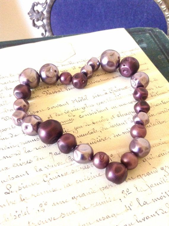 Vintage Beads - Lot of 24 Vintage Reclaimed Purple and Mauve Faux Glass Pearl Beads - Jewellery Up cycled Assemblage Creations Wedding