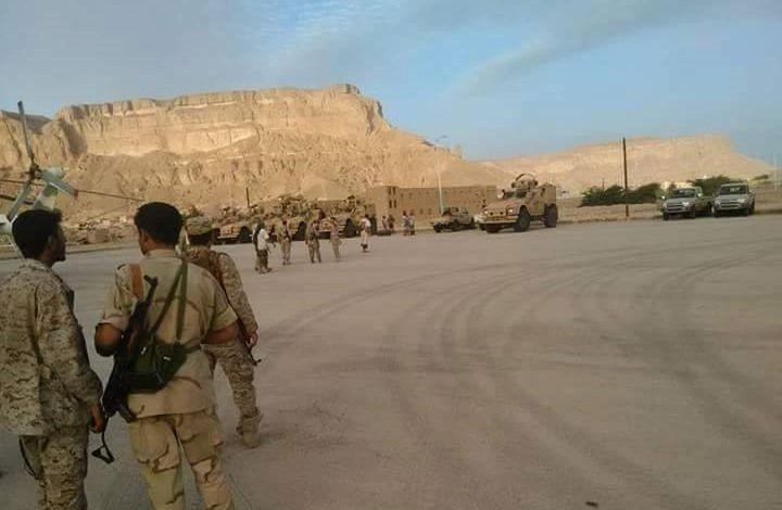KIBLAT.NET, Hadramaut – Koalisi Negara Teluk yang dipimpin Arab Saudi mulai mempersiapkan operasi darat untuk merebut kota Al-Mukalla, ibukota provinsi Hadramaut, dari kontrol Al-Qaidah Yaman (AQAP). Menurut laporan media, operasi darat ini dipimpin oleh Uni Emirat Arab (UEA). Seperti dilaporkan portal Arabi21.com, Jumat (22/04), sumber Yaman melaporkan bahwa UEA melakuan mobilisasi militer dalam beberapa hari …