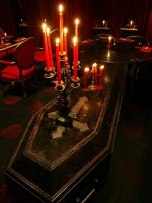 gothic vampire party | The Modernization Of The Vampire