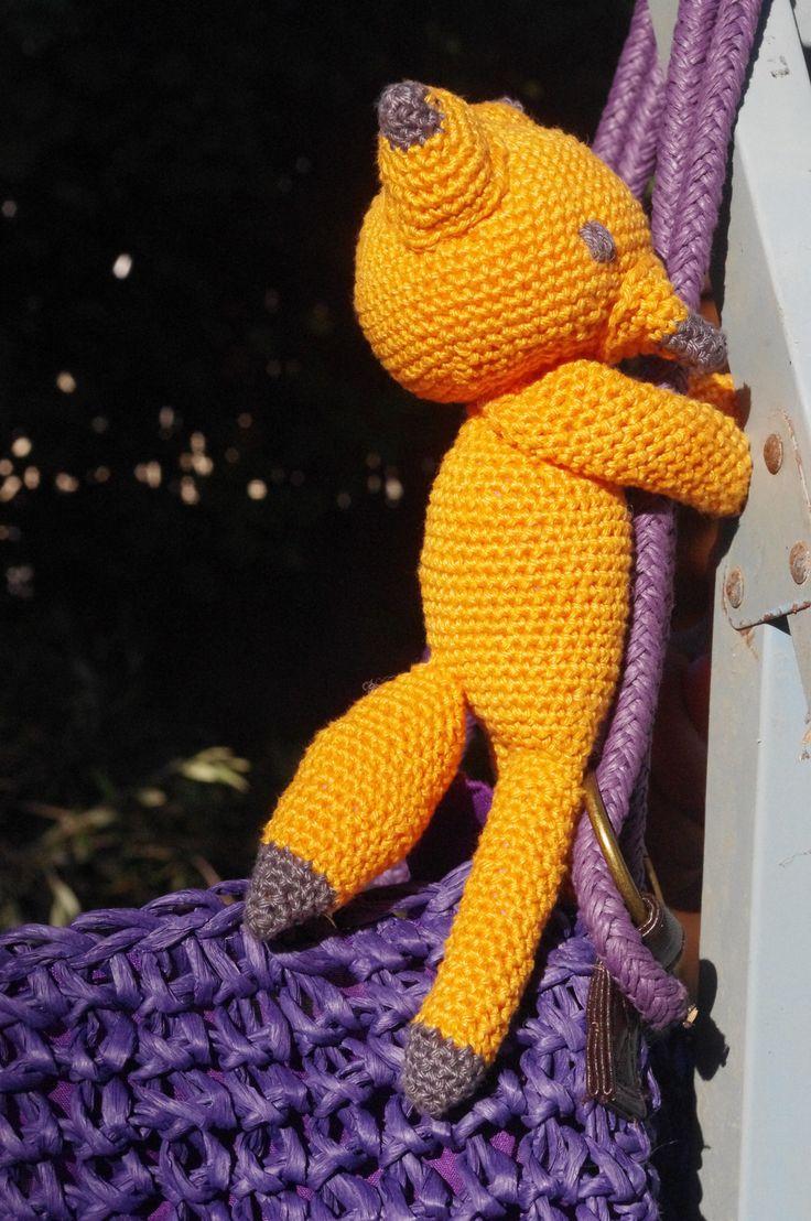 Doudou-amigurumi renard en coton orange et gris et rembourrage polyester : Jeux, jouets par miss-cup-of-tea