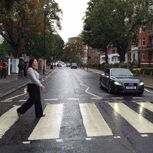 Abbey Road #londres #gif #reginaarias #audi