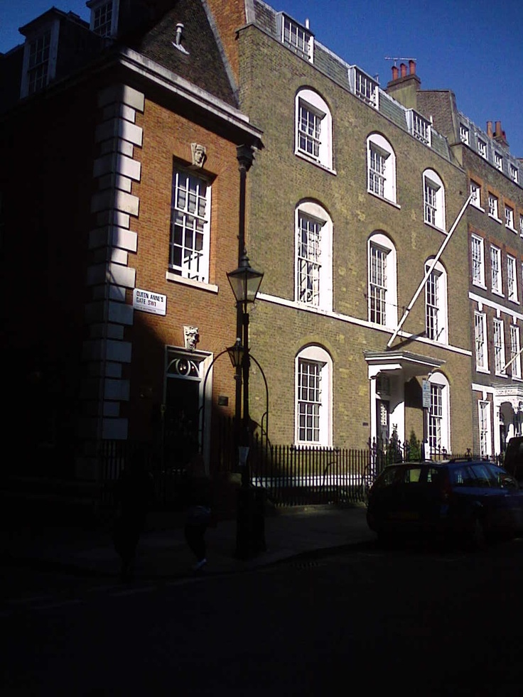 Barber Shop Queen Anne : Queen Annes Gate. This is where, in my novel, the private Government ...