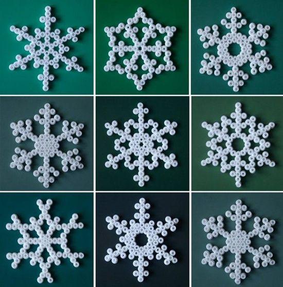 pinterest frozen knutselen | Copos de nieve blancos con Hama Beads