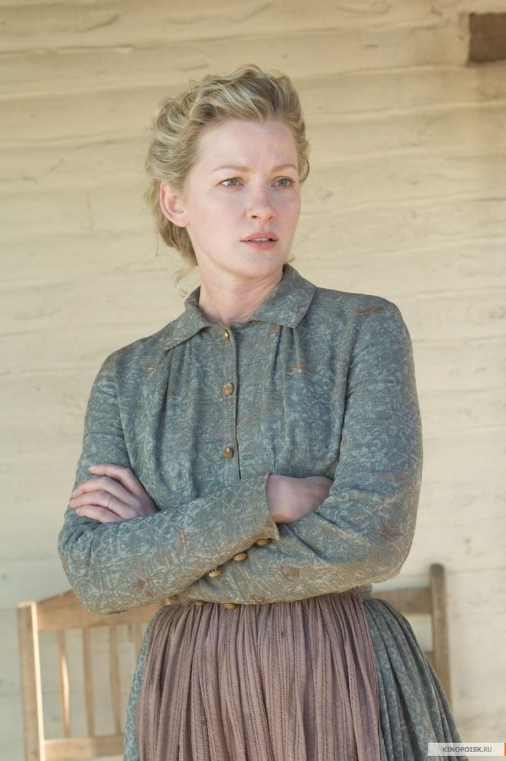 Alice Evans - Gretchen Mol in 3:10 to Yuma, set in 1884 (2007).