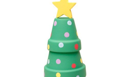 No need to water this tree . . . Use clay pots to craft this cute Polka Dot Christmas Tree decoration!