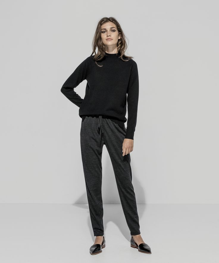 Cashmere Merino Turtle Neck Raglan Sweater (Black) Wool Jersey Tapered Pant (Charcoal Marle)