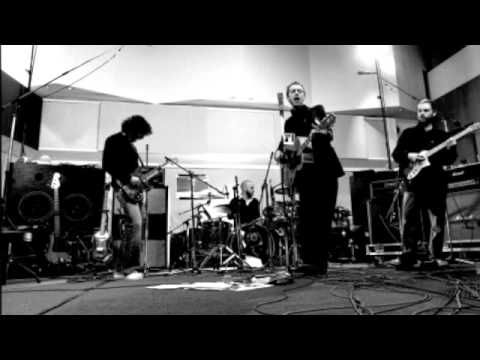 Coldplay - Amsterdam A rare early version of my absolute favorite song of all time.
