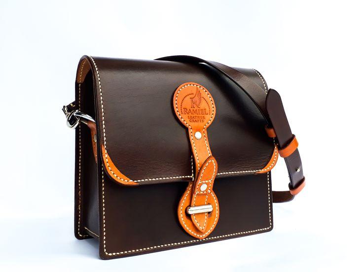 Leather messenger bag women. 100% handmade (including dyeing ans sewing). ##leathermessengerbagwomen #leathershoulderbags #RamielLeatherCrafts #messengerbags #leatherbags #vegtannedleather #leather #bags #messenger #fullgrainleather