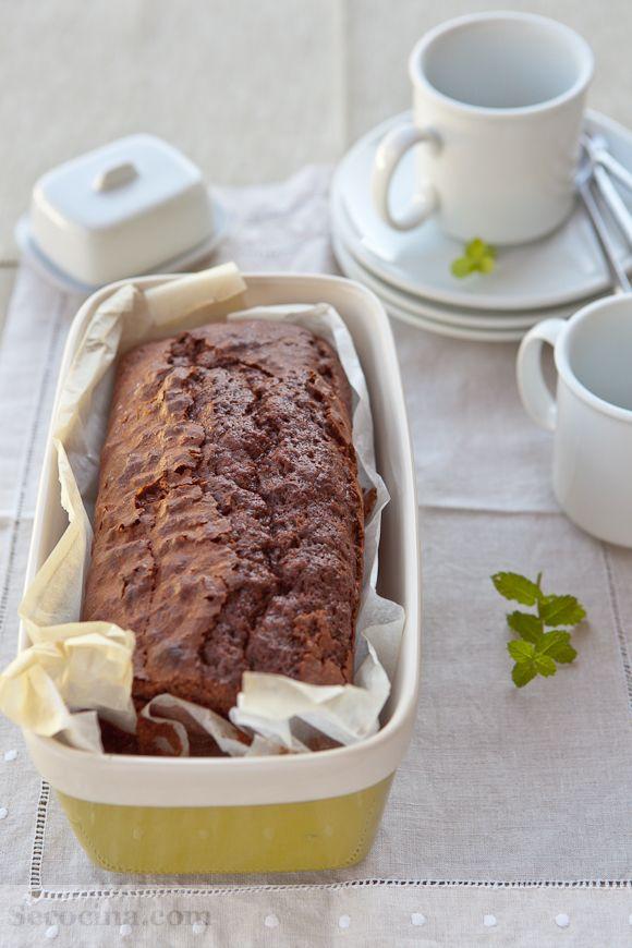 Bizcocho de chocolate. Chocolate cake