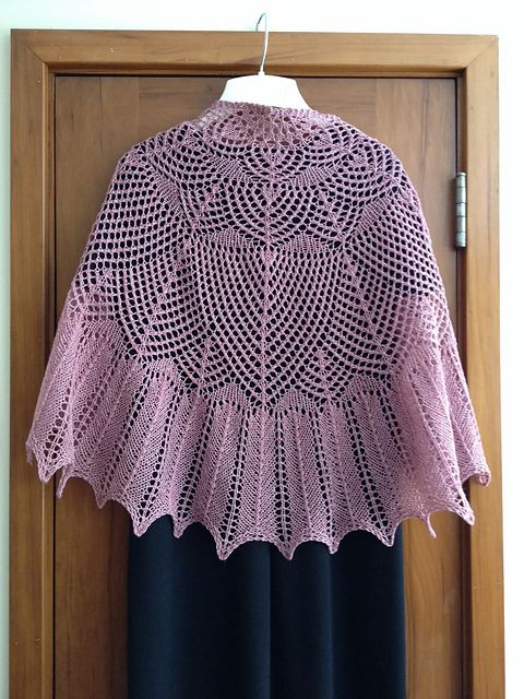Ravelry: Project Gallery for Wavedeck pattern by Kate Atherley