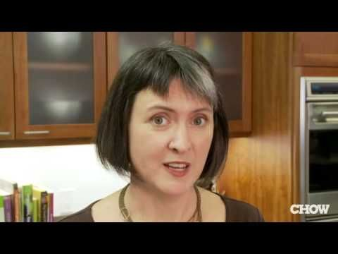 """DIY VIDEO ~ Making Nachos? ... """"You're doing it all wrong."""" Helpful tips from a Food Pro. Click through for chicken or beef nachos recipe. http://www.susannahskitchen.com/2013/12/diy-video-making-nachos-for-new-years.html"""