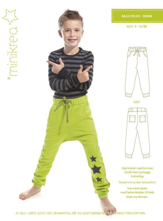 Koele broek met zakken, smalle benen en verlaagde kruisnaad. Eenvoudig model met perfect pas. Gemakkelijk te ontwerpen, voor zowel jongens als meisjes van 4 tot 10 jaar